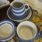 Ensemble de vaisselle bleu