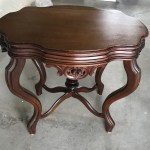 Table d'appoint victorienne