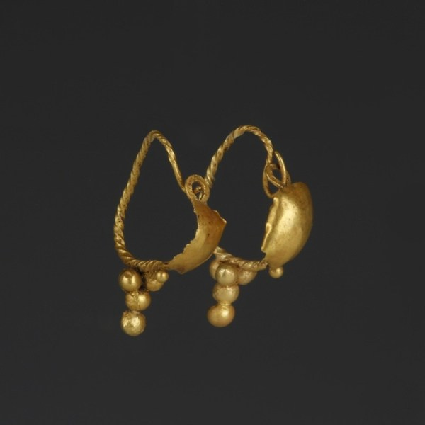 Roman Gold Earrings with Granules