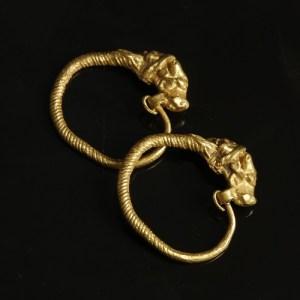 ancient greek earrings in gold