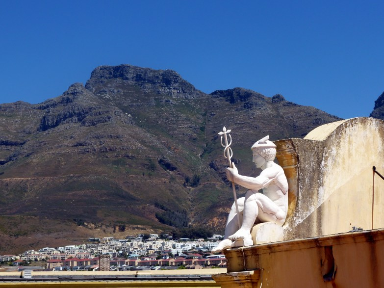 Castle of Good Hope with Table Mountain in the background. Built by the Dutch East India Company between 1666 and 1679, the Castle is the oldest existing colonial building in South Africa.