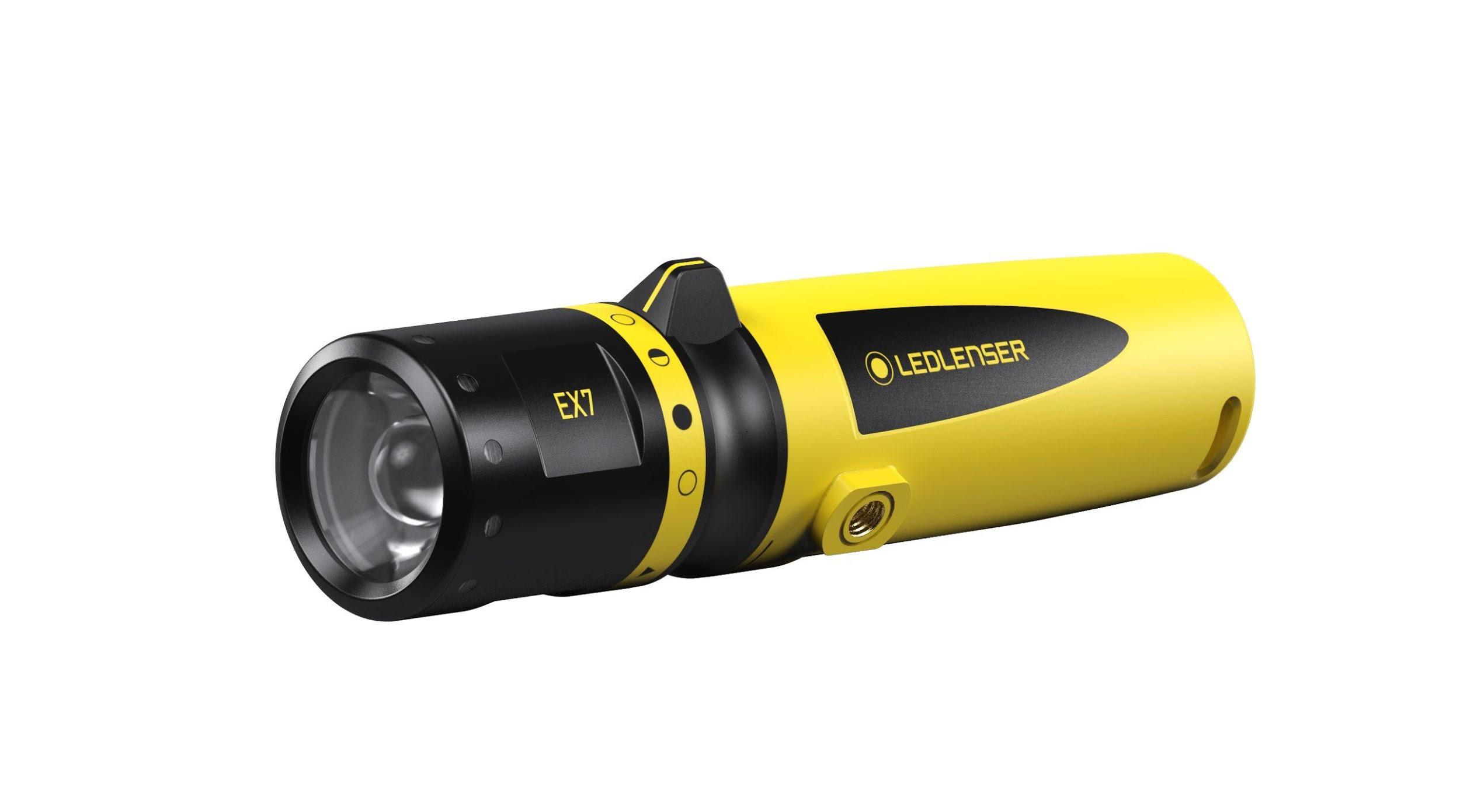 Đèn pin chống cháy – Sản phẩm đạt tiêu chuẩn chống cháy nổ