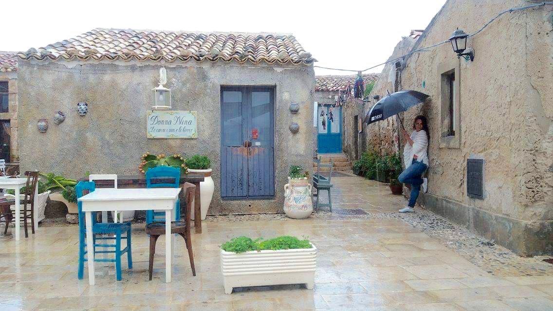 Pioggia a Marzamemi in Sicilia - ma communque bella