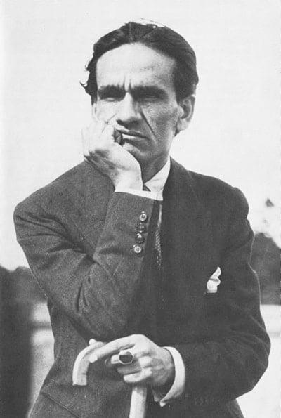 Photo of قيصر باييخو – الموت في باريس