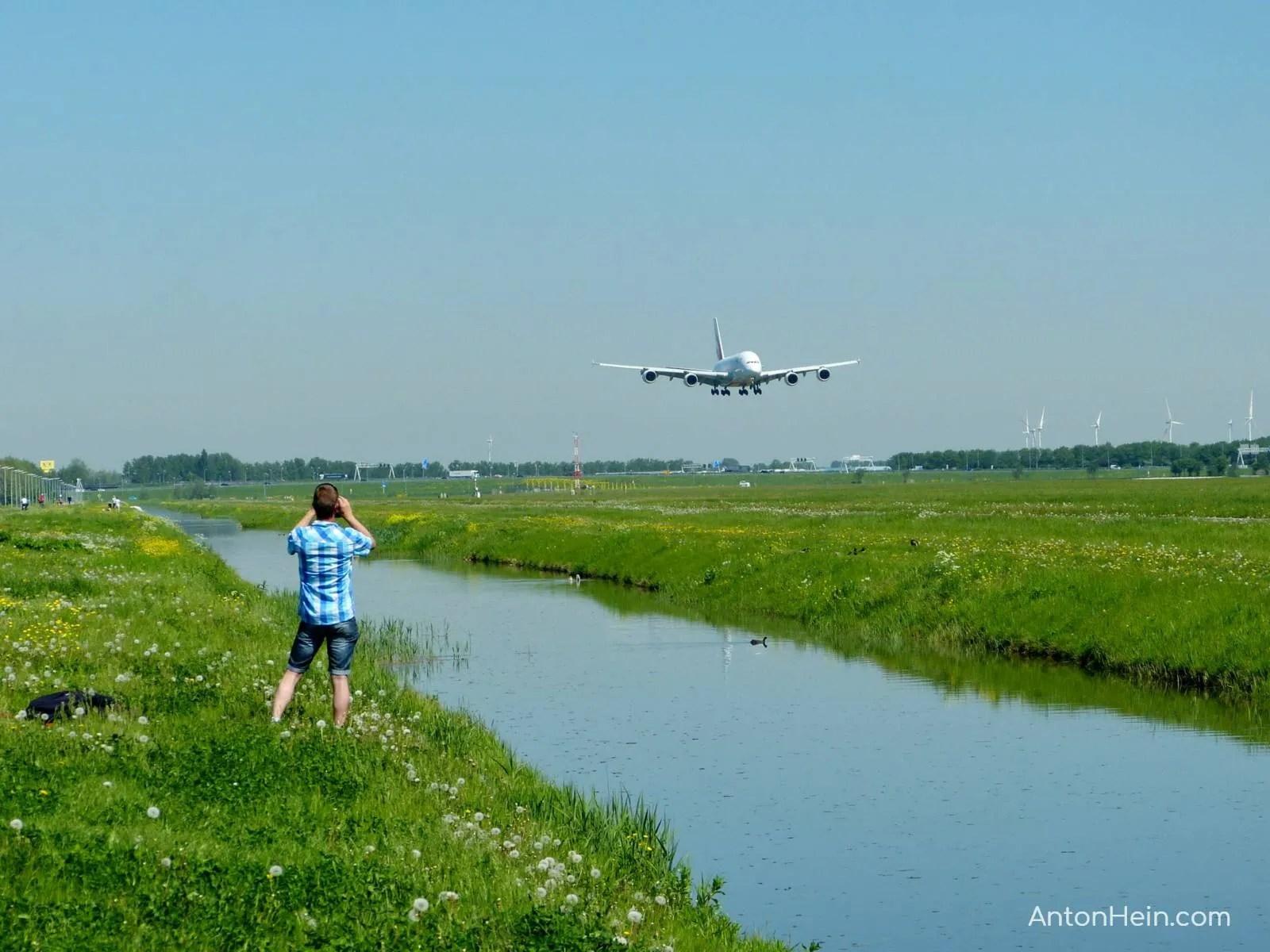 Amsterdam Airport Schiphol landing