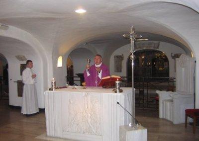Msza św. przy grobie Jana Pawła II