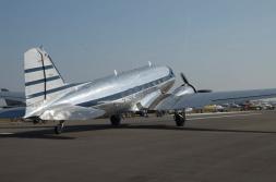 DC-3 taxi 1