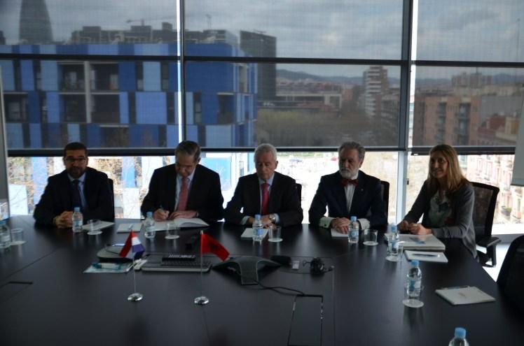 Cónsules de Paraguay y Albania