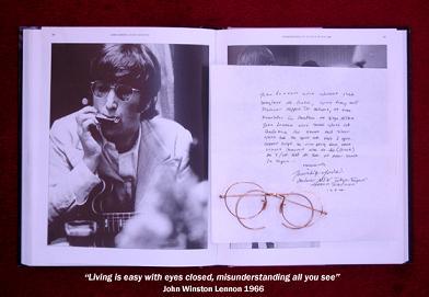 Gli occhiali di John Lennonall'asta