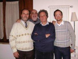Alla cena di chiusura della campagna elettorale. Da sinistra: Alessio Manetti, Franco Vicerdini, Pancho Pardi, Antonio Giudilli