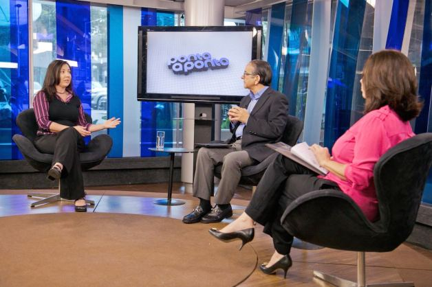 Antonio Lavareda e Mônica Bergamo entrevistam Clarice Madruga / Reprodução: Site Henrique Barbosa