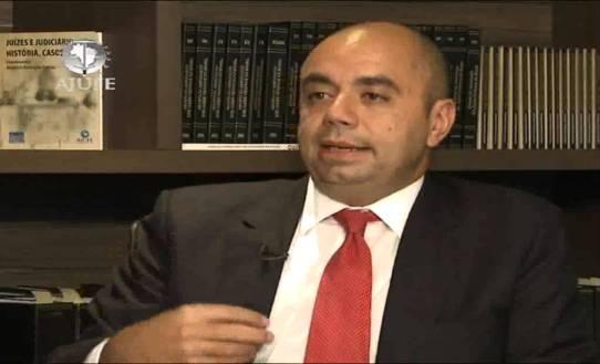 Juiz Fernando Mendes participa do programa Ponto a Ponto / Reprodução: Youtube