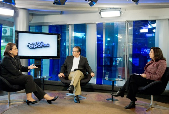 Antonio Lavareda e Mônica Bergamo entrevistam Maria Lúcia Meirelles Reis