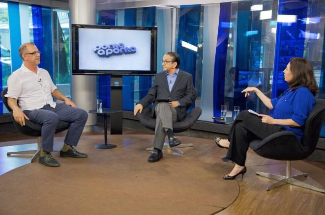 Reginaldo Nasser, Antonio Lavareda e Mônica Bergamo debatem sobre os conflitos na Síria / Reprodução: Site Henrique Barbosa