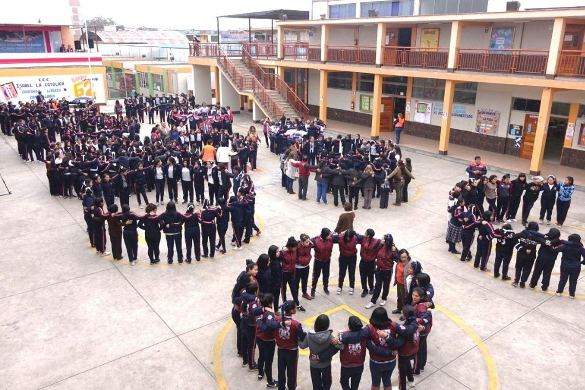 Colegios en Perú
