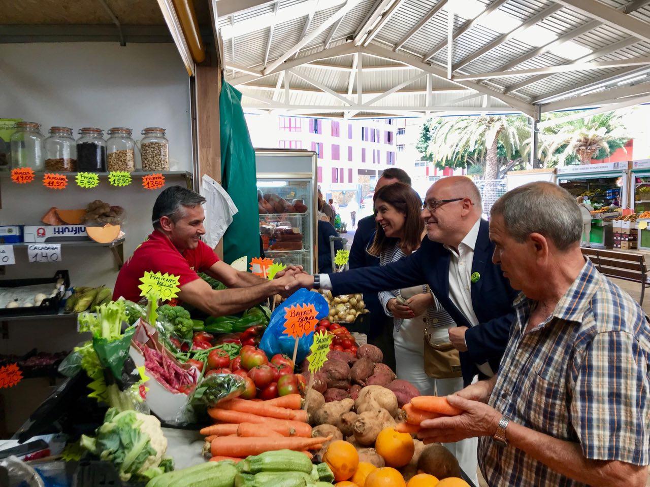 Morales seguirá impulsando las zonas comerciales abiertas como medida para dinamizar el comercio local