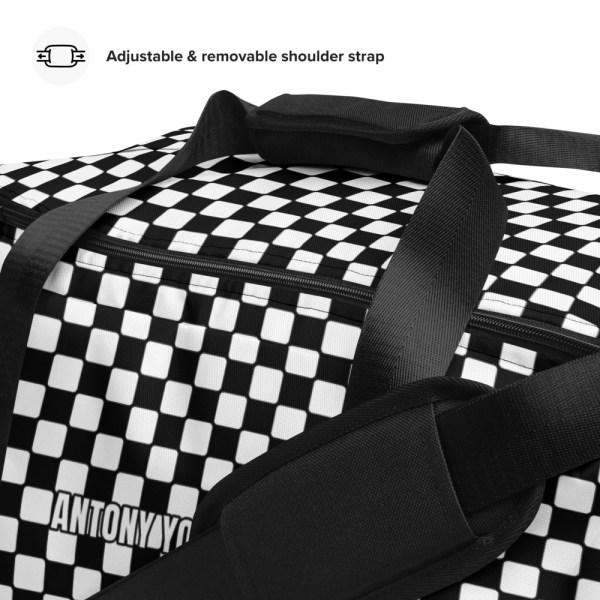 sporttasche trainingstasche karo checkers black white front details