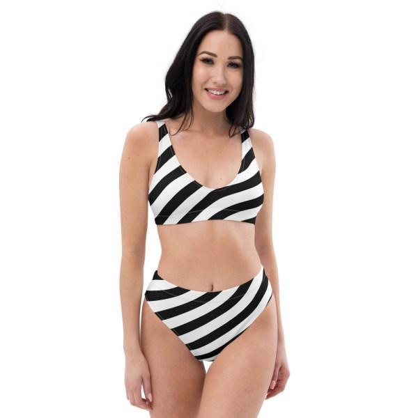 HIGH WAIST DESIGNER BIKINI STRIPES ALL OVER aus Recyclingmaterial schwarz weiß gestreift 2 all over print recycled high waisted bikini white front 60be5cedcd67b