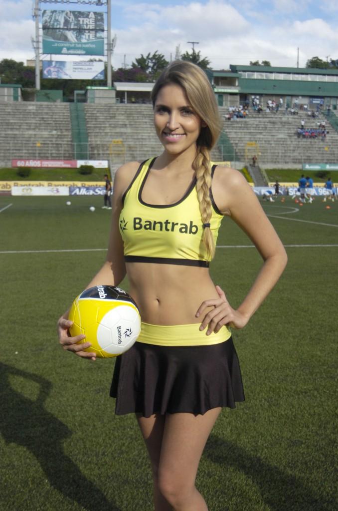 Monique Ventura - Brasil 1538