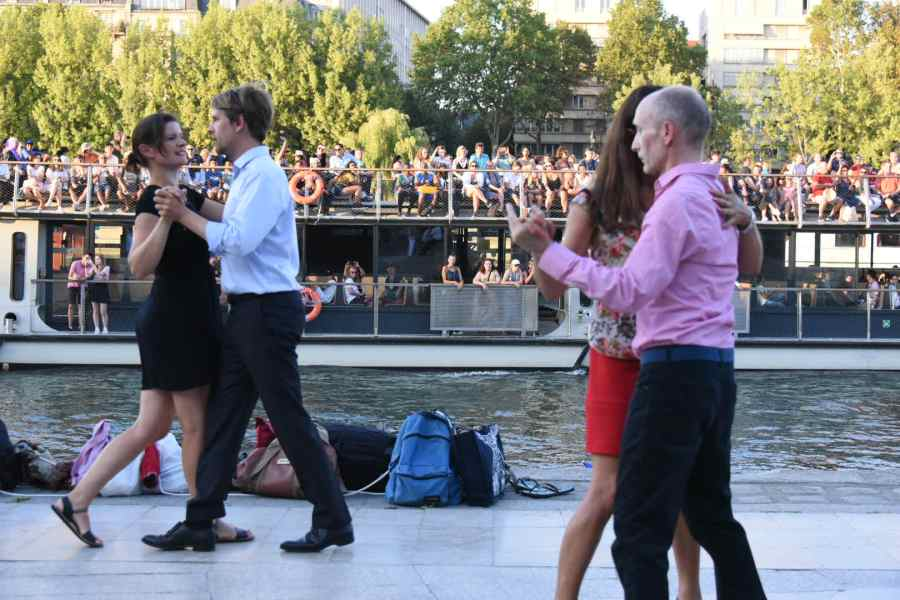Danseurs de tango à Paris