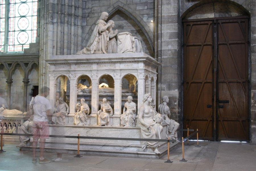 Sépulture dans la basilique de Saint-Denis