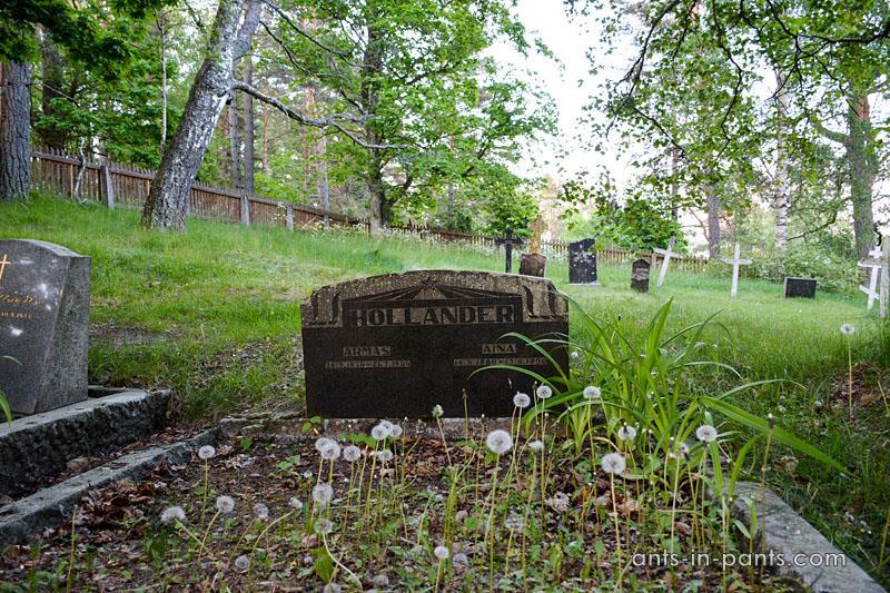 Seili graveyard