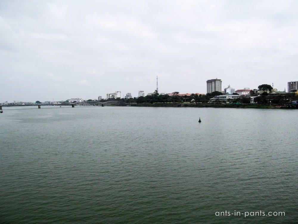 Река в Хюе