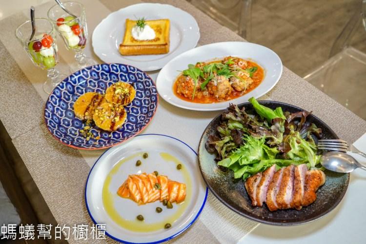 藍廚義式廚房   彰化義大利餐館,正統義大利料理,為了這盤蛤蜊義大利麵,專程到彰化市也值得。