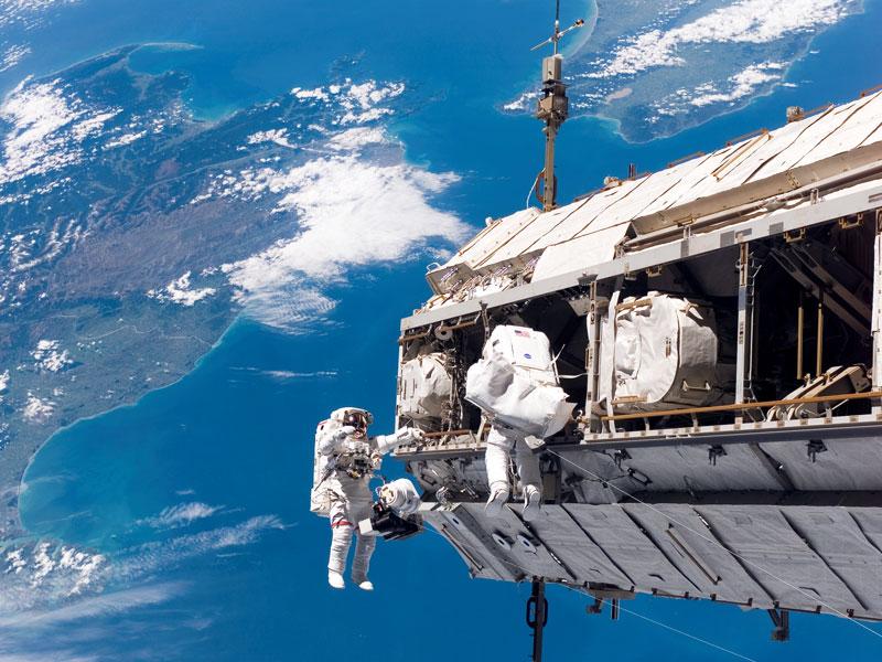 अंतरराष्ट्रीय अंतरिक्ष केन्द्र की मरम्मत