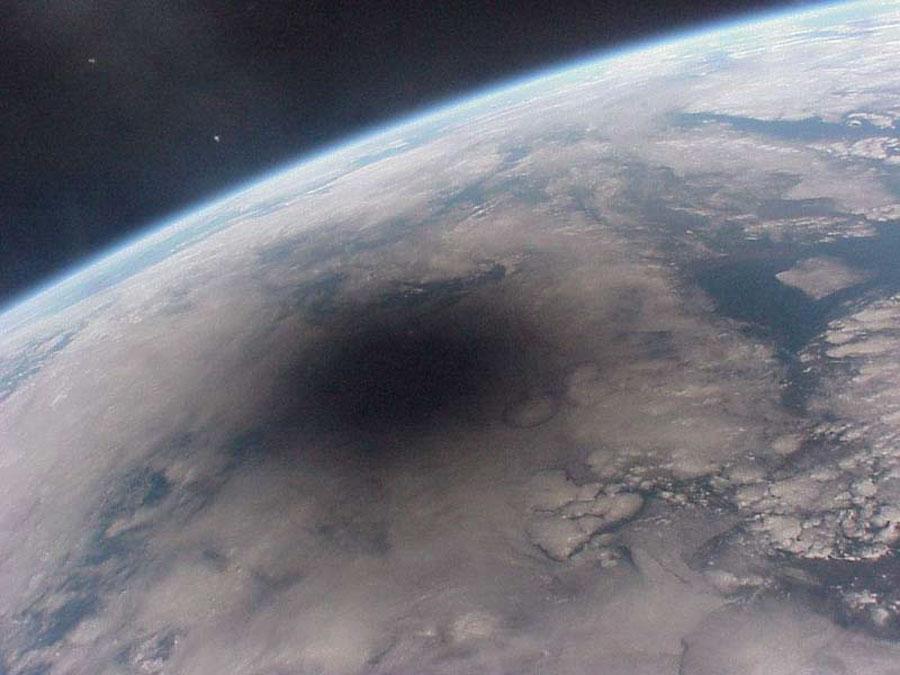 Cómo se ve la Tierra durante un eclipse total