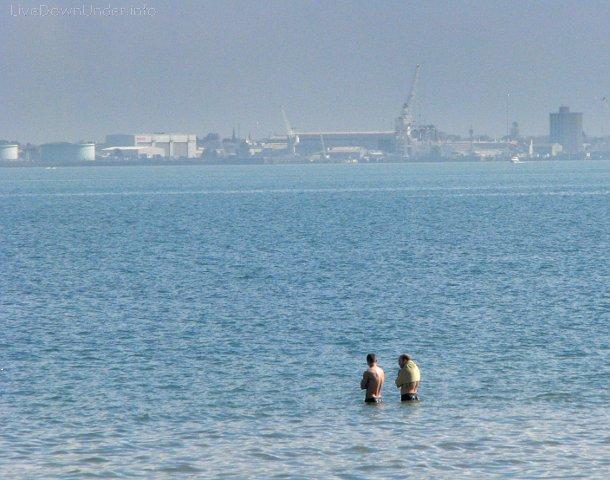 Kąpiel w morzu w Australii zimą