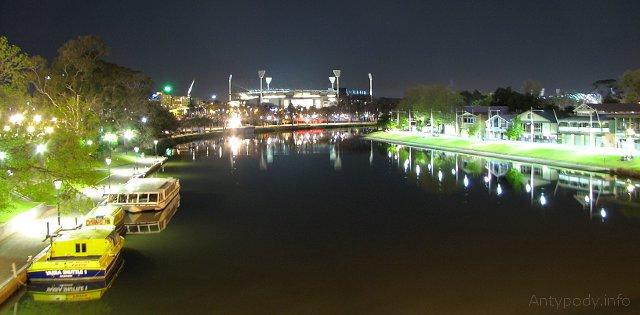 Melbourne nocą - Yarra i MCG