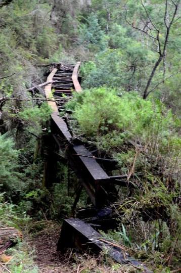 Walhalla, Australia - stary most kolejowy w rozsypce