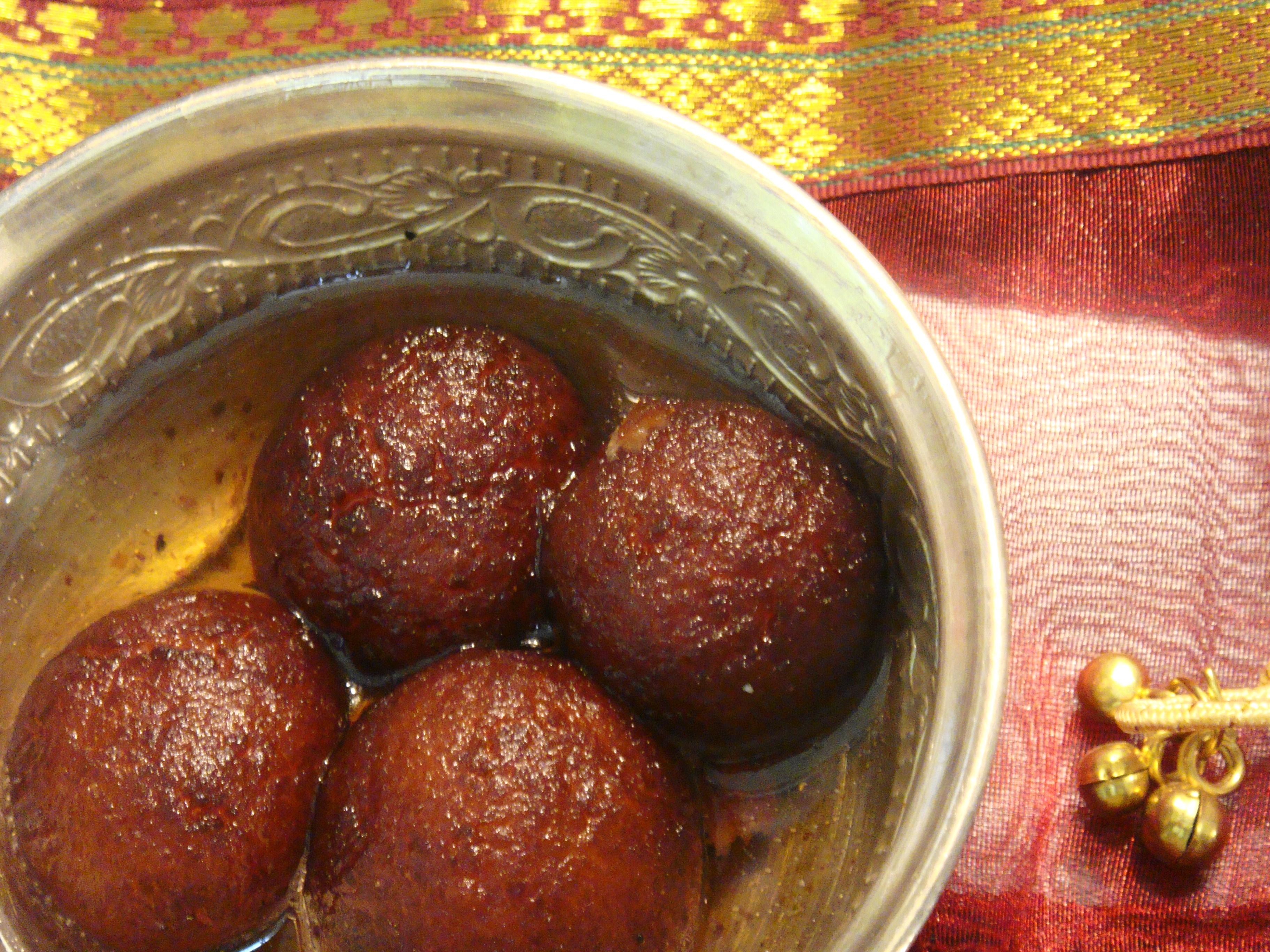 Navarathri Neivedhyam Day 5 - Sweet Gulab Jamuns.