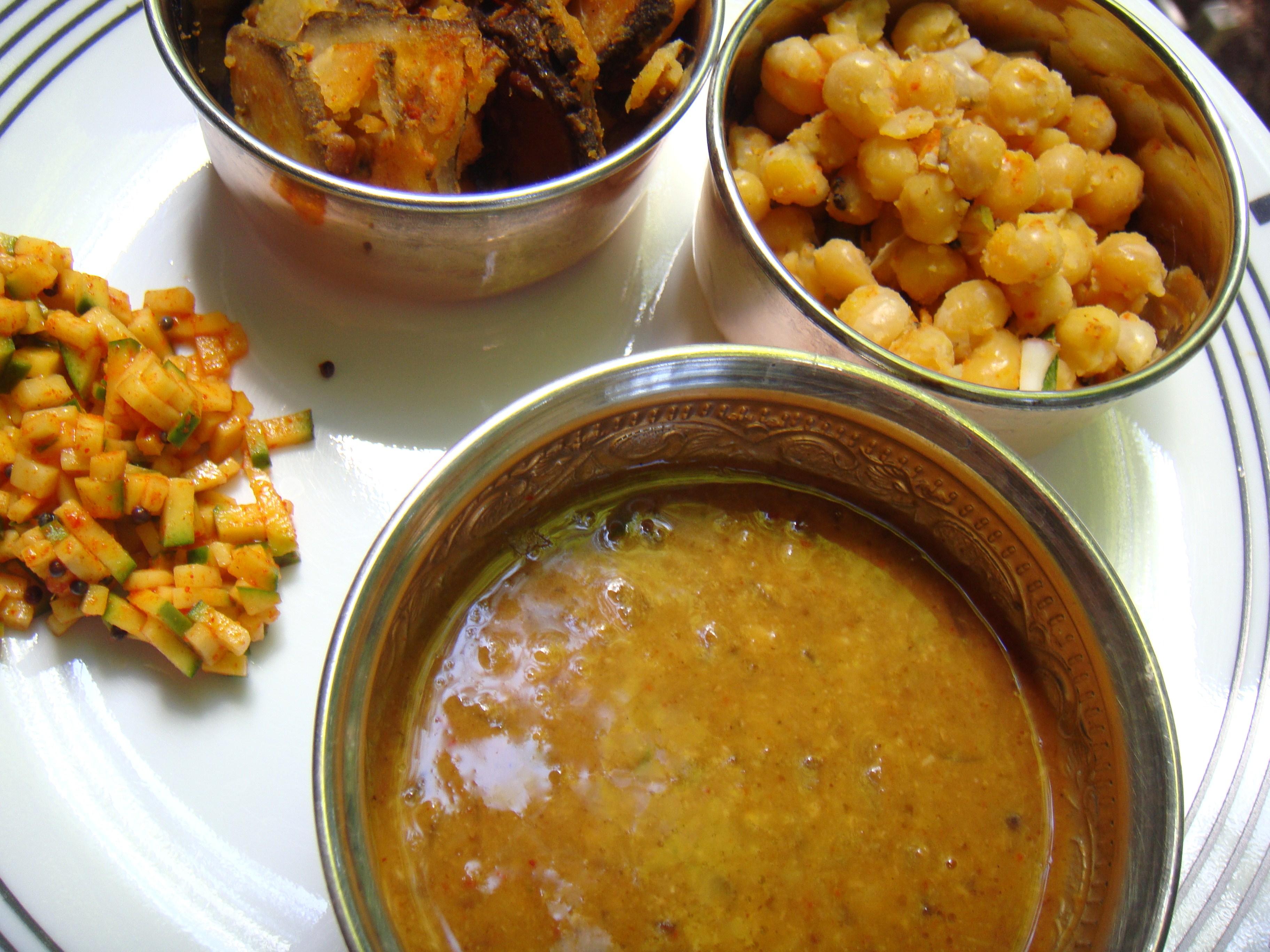 Weekend Menu - Vengaya Sambar, Sundal, Vazhakkai Fry, Mangaa Curry.