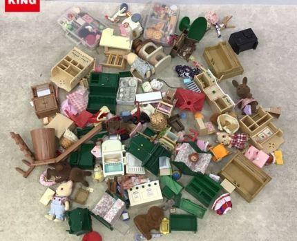 1円~ ジャンク シルバニアファミリー パーツ 家具 他 ピアノ、テーブル、コンロ、ベビーカー、冷蔵庫 等
