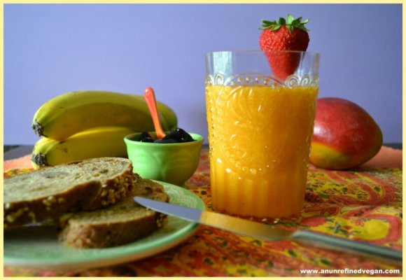 Smoothie with Toast