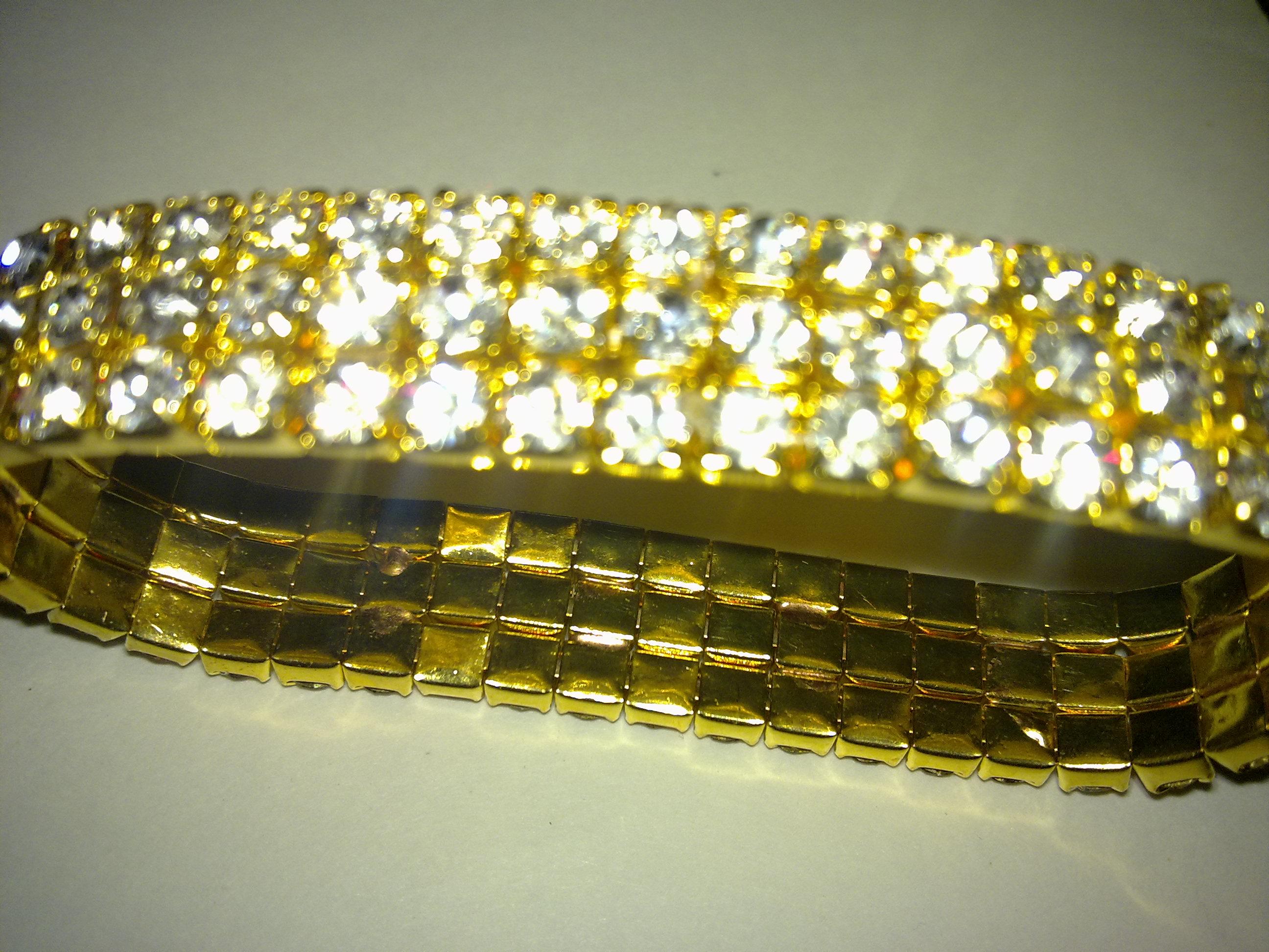 Golden shining bracelet