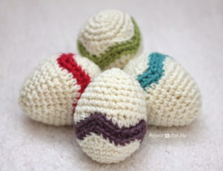 Crochet Chevron Striped Easter Egg - Repeat Crafter Me