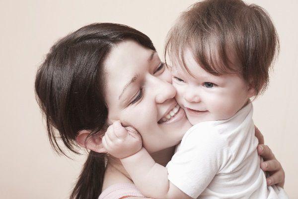 幼児と母親