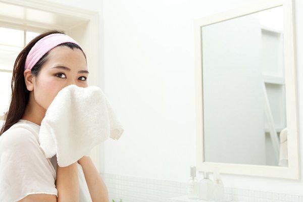 洗顔後の拭き取り