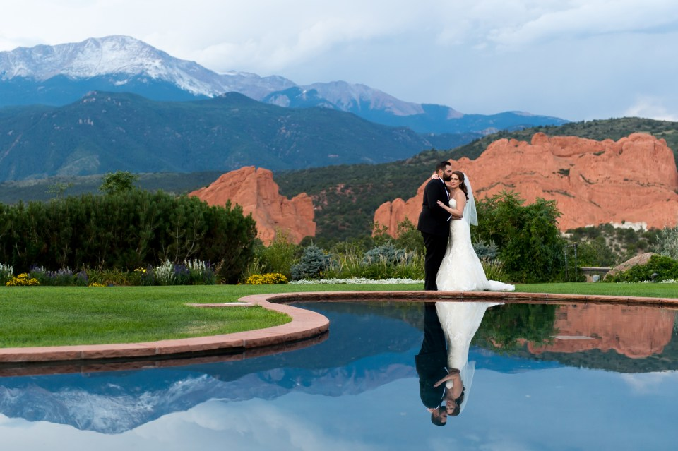 garden-of-the-gods-wedding