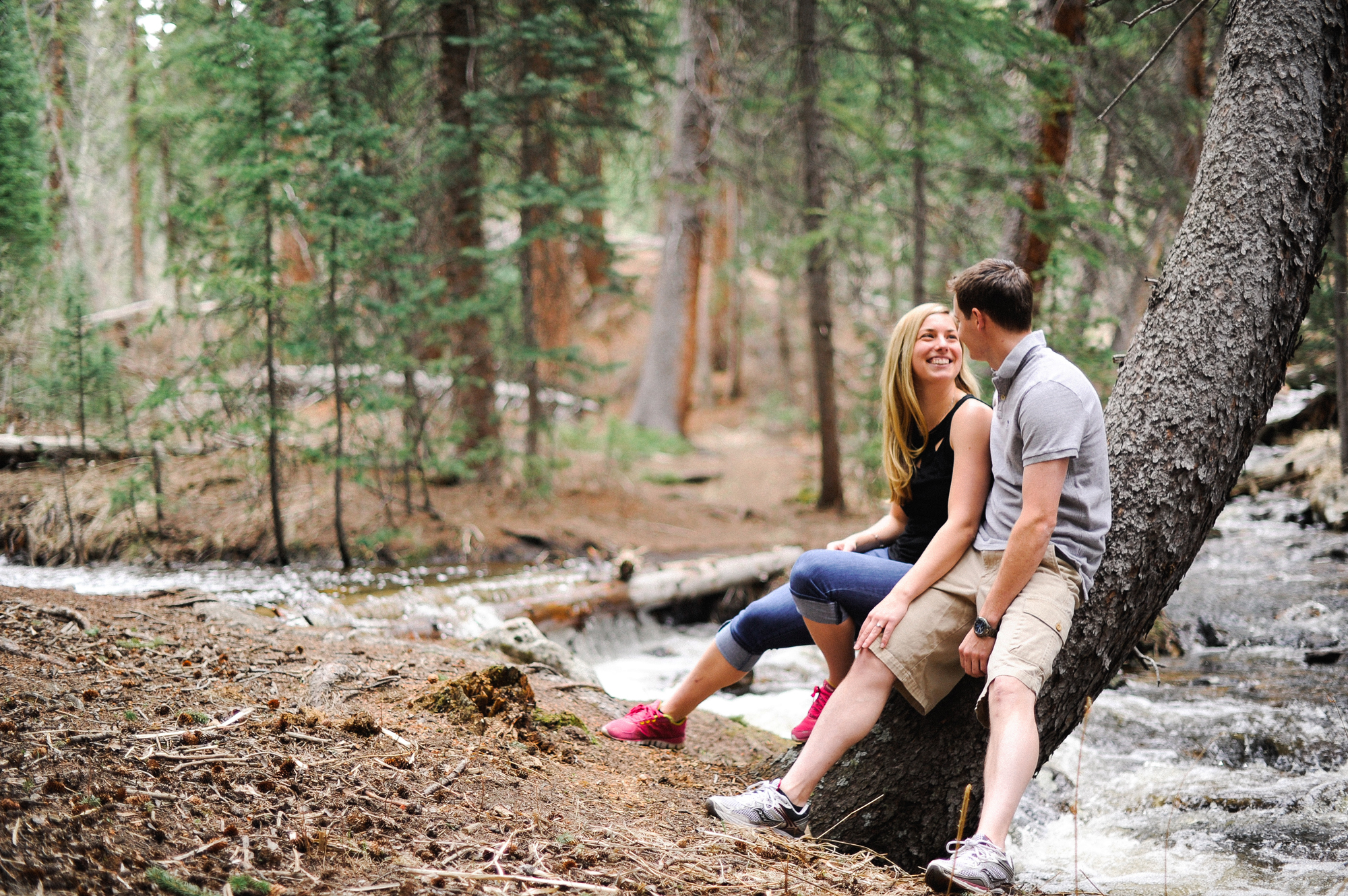 rocky-mountains-engagement-photography