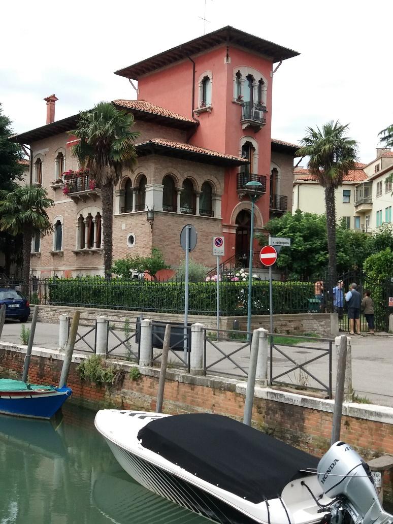 Villa on Lido