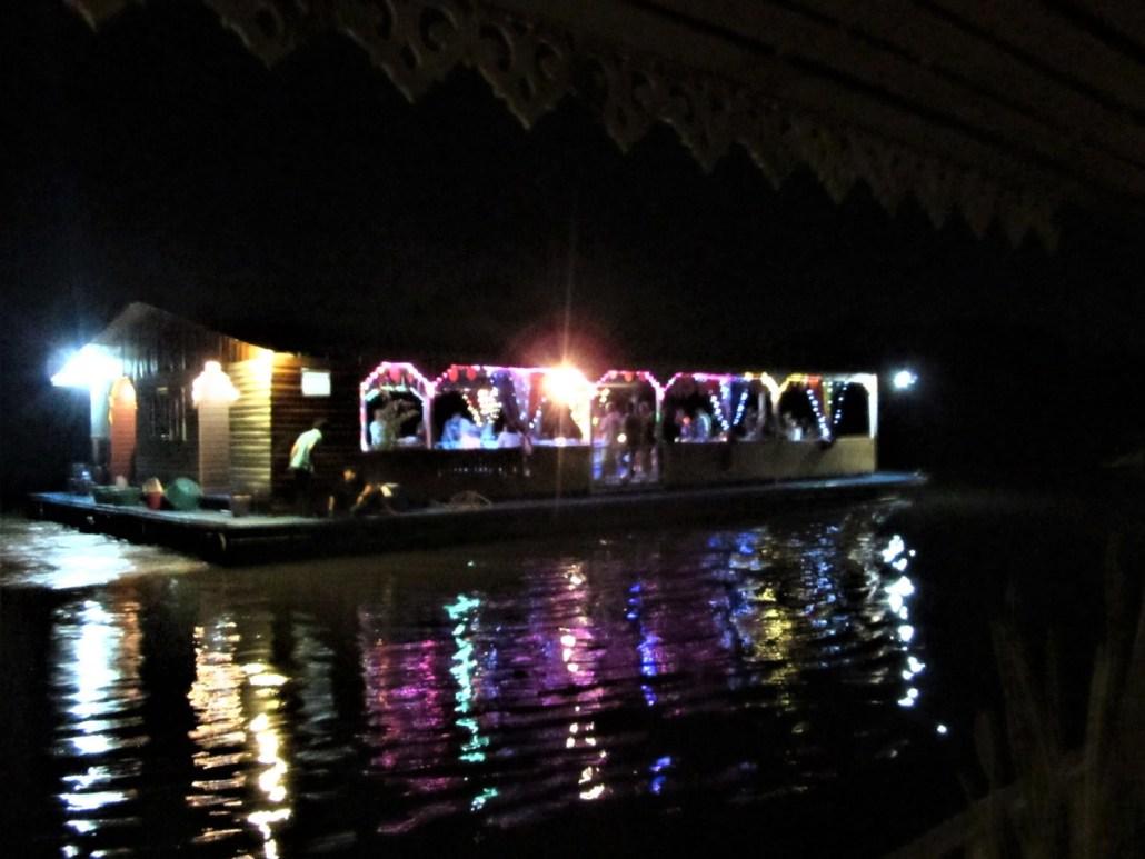 Party Boat Kanchanaburi