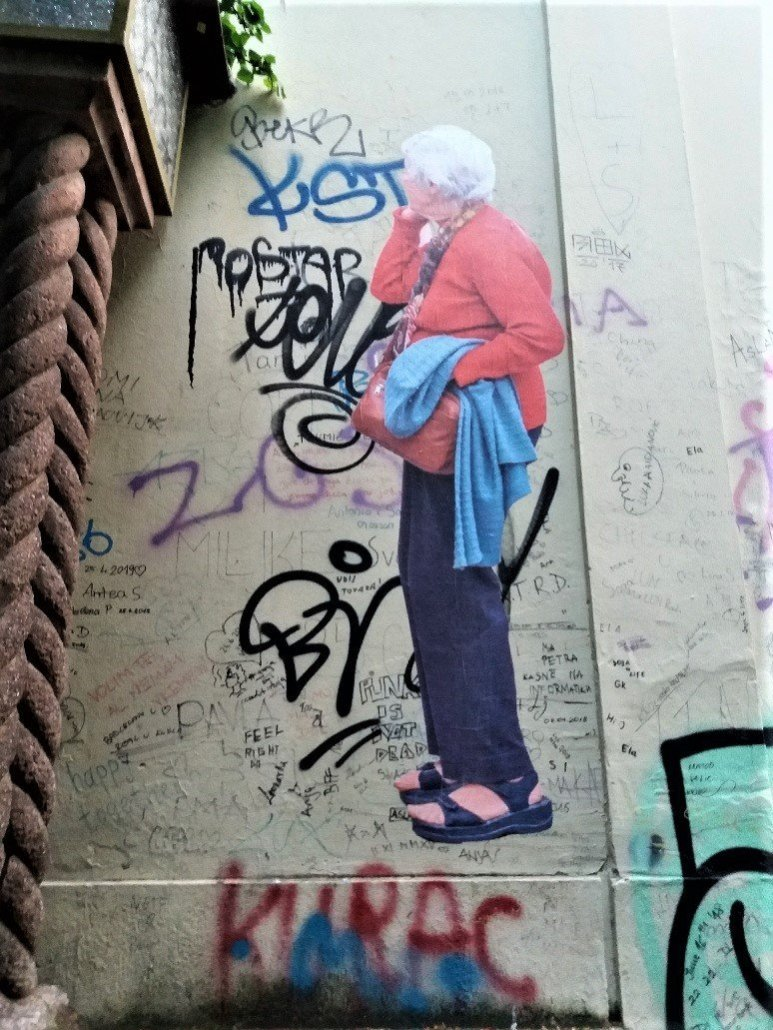 Old lady lost - Graffiti in Zagreb