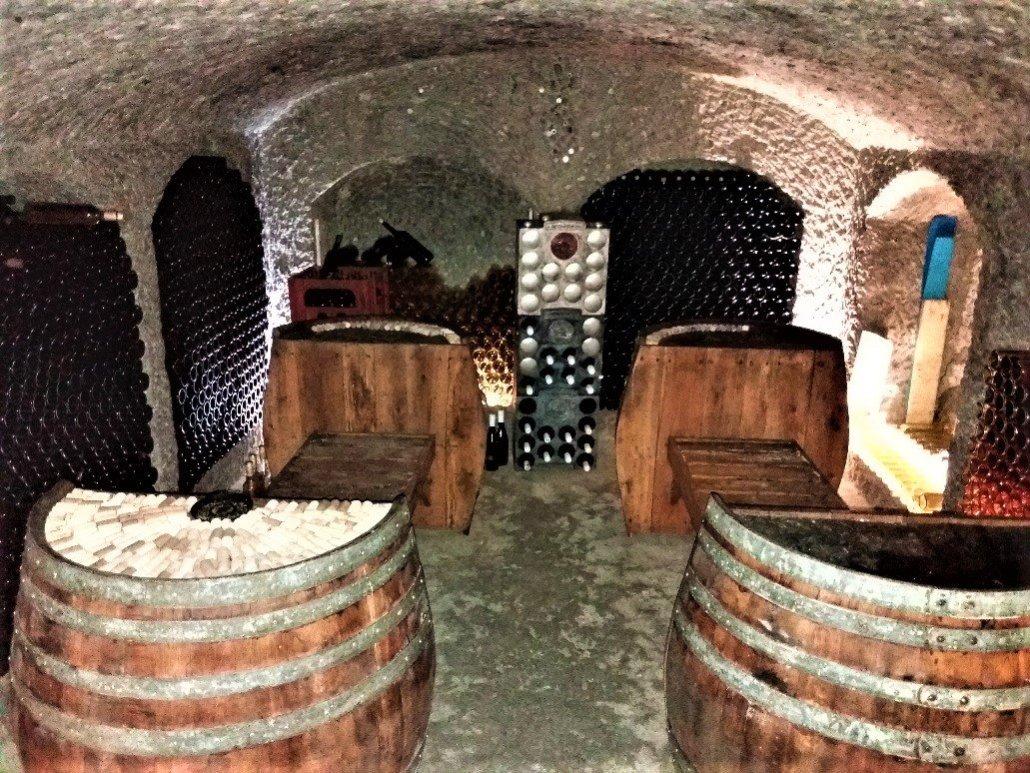 Gazsi pince noszvaj - wine barrell benches