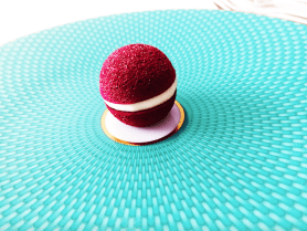 1a) ii) A Change-Of-Air: Aerated Beetroot Macaroon