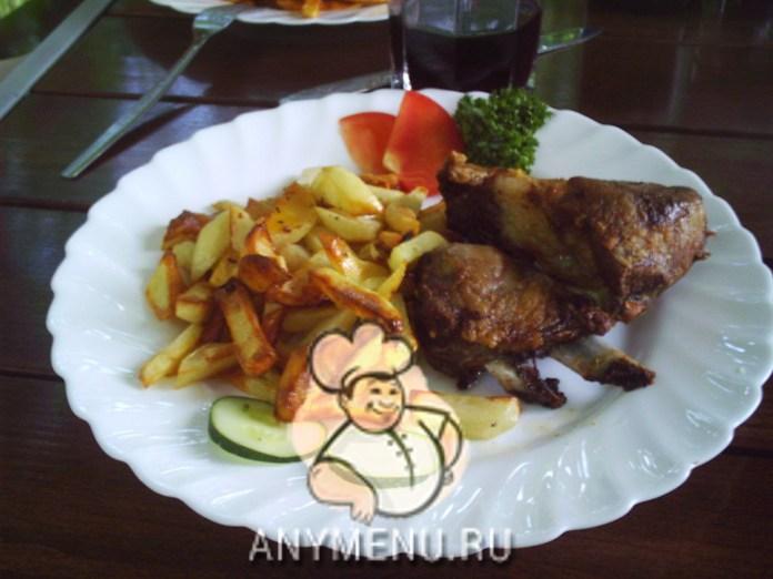 svinye-rebryshki-zapechenye-s-kartofel