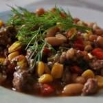 Говядина с фасолью и кукурузой по мексикански